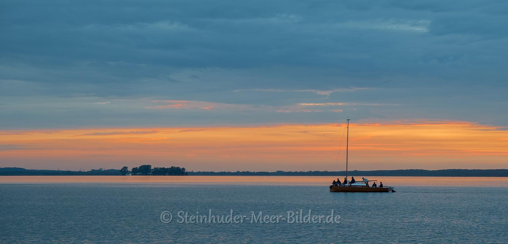 Abendrot-Sonnenuntergang-Abendhimmel-Daemmerung-Abendstimmung-Abendlicht-Steinhuder Meer-C_SAM_0942a