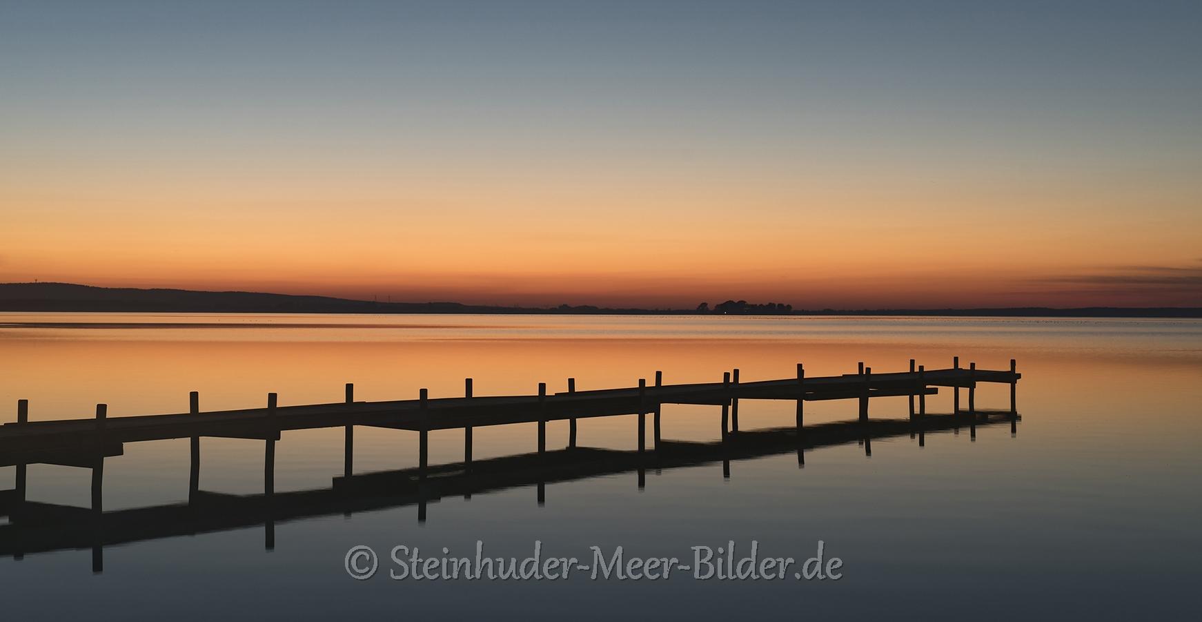 Abendrot-Steg-Bootssteg-Sonnenuntergang-Abendhimmel-Daemmerung-Abendstimmung-Abendlicht-Steinhuder Meer-A_NIK8500a Kopie