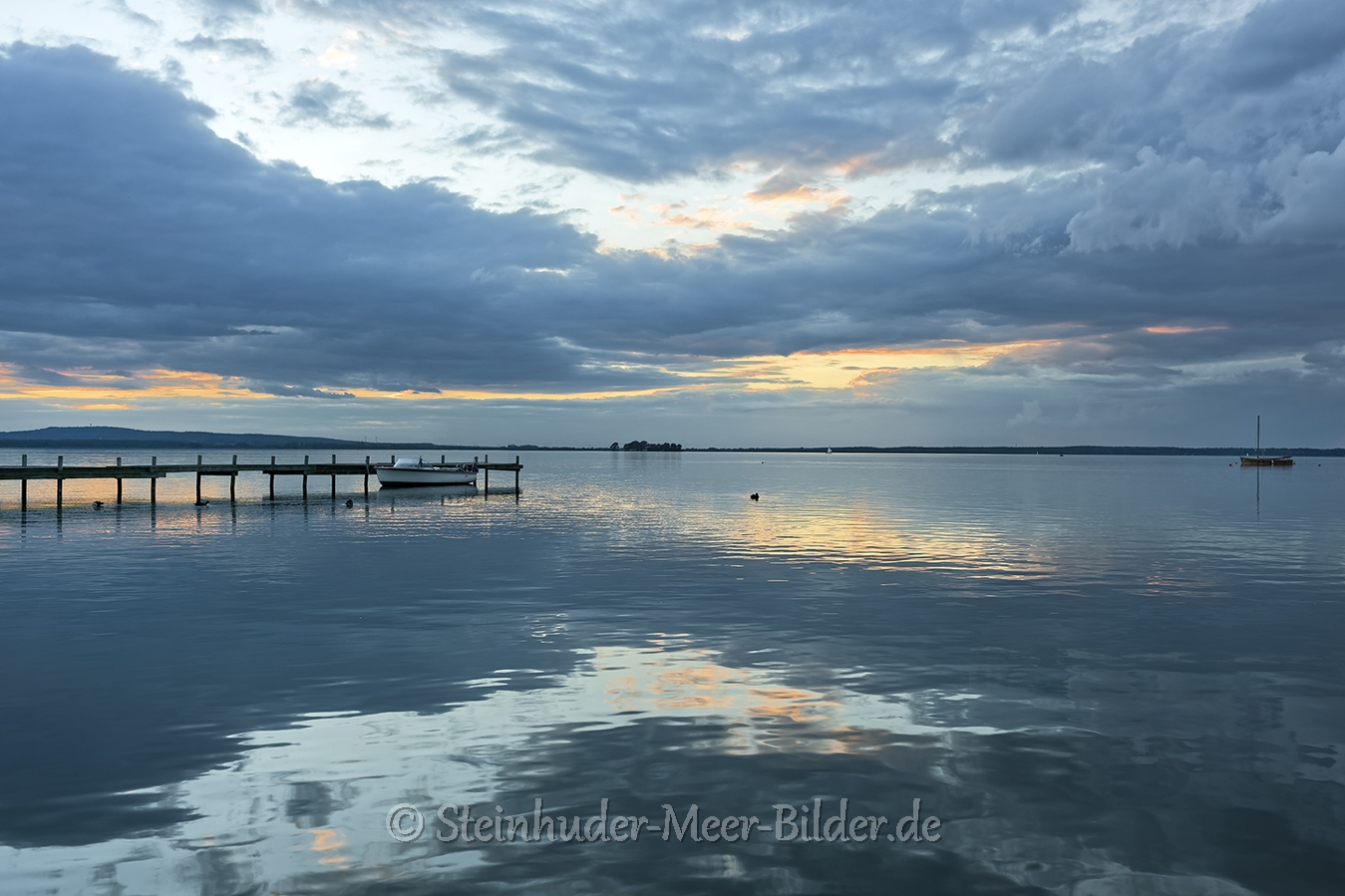 Wolken-Wolkenhimmel-Abendstimmung-Abendlicht-Steinhuder Meer-A_NIK7529