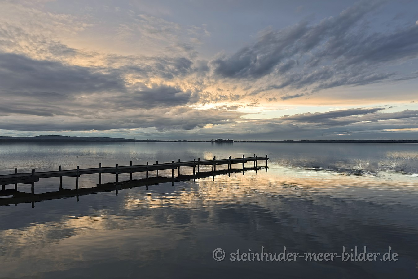 Wolken-Wolkenhimmel-Abendstimmung-Abendlicht-Steinhuder Meer-A_NIK7713