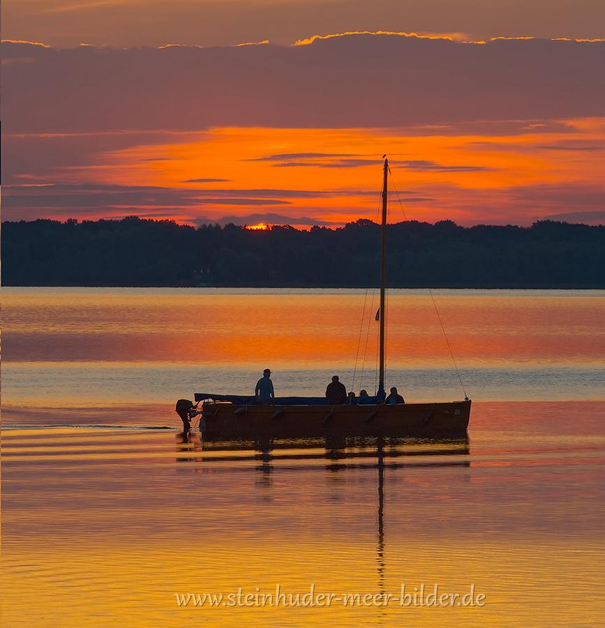 2-Auswanderer-Boot-Silhouette-Abendrot-Sonnenuntergang-Steinhuder-Meer-A_NIK500_3801a