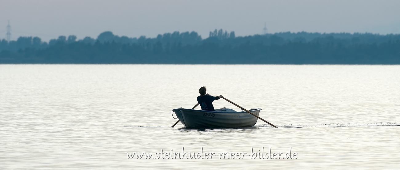 3-Ruderboot-Silhouette-Ruderer-Steinhuder-Meer-Panorama-A_NIK500_3896