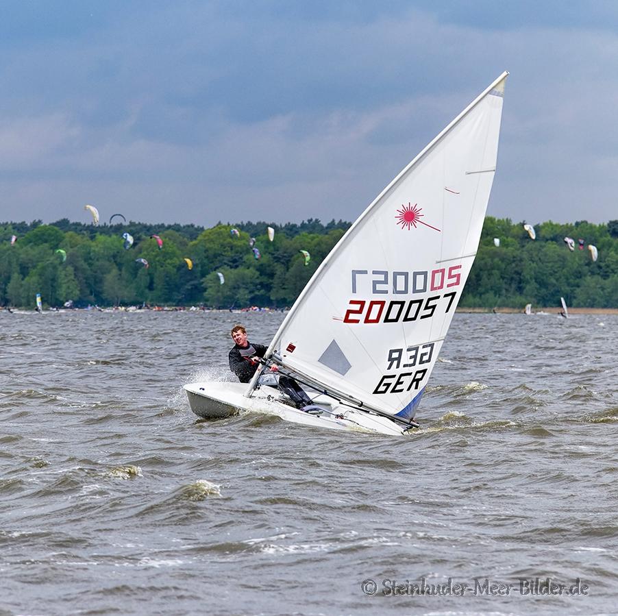 Sportfotos-Segeln-Segelboot-Segelsport-Sport-Wassersport-Regatta-Steinhuder-Meer-Naturpark-A_SAM3688