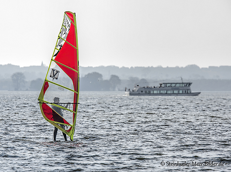 Sportfotos-Windsurfing-Windsurfer-Surfer-Sport-Wassersport-Steinhuder-Meer-Naturpark-A_NIK1414-1