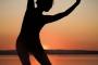 Landschaftsfotos-Naturfotos-Steg-Bootssteg-Frau-Yoga-Yogauebung-Silhouette-Sonnenuntergang-Abendstimmung-Abendrot-Steinhude-Steinhuder Meer-Naturpark-Landschaft-I_MG_1947-1