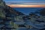 landschaft-panorama-Felsen-Basalt-saeulen-giants-causeway-abend-rot-stimmung-himmel-Strand-Nord-kueste-Meer-Irland-A_NIK4596a