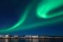 lofoten-svolvaer-hafen-winter-nacht-fjord-nordlichter-aurora-borealis-gruen-polarlichter-Norwegen-I_MG_6696