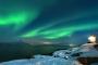 winter-nacht-leuchtturm-fjord-nordlichter-aurora-borealis-gruen-polarlichter-Norwegen-A_DSC4575a