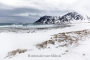 lofoten-meer-fjord-strand-winter-schnee-verschneit-landschaft-Norwegen-I_MG_7639