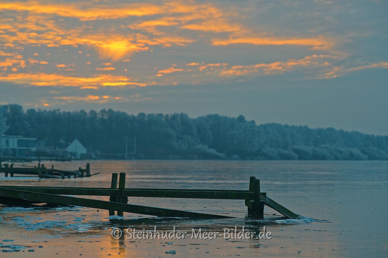 abendrot-abendstimmung-winter-steinhuder-meer-eisdecke-schnee-zugefroren-eisdeckedecke-naturpark-naturraum-region-A7RII-DSC01230